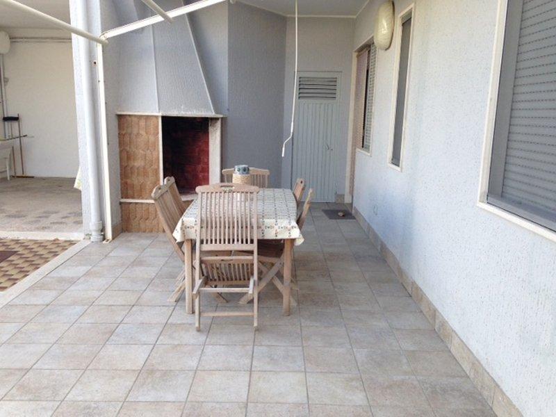 VILLETTA CLAUDIO PT IDEALE 3 CAM 2 BAGNI 3 DOCCE, vacation rental in Melendugno