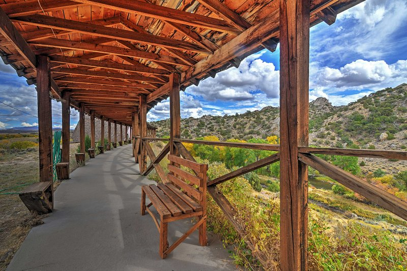 Fishing Paradise in Saratoga on 160 Private Acres!, holiday rental in Saratoga