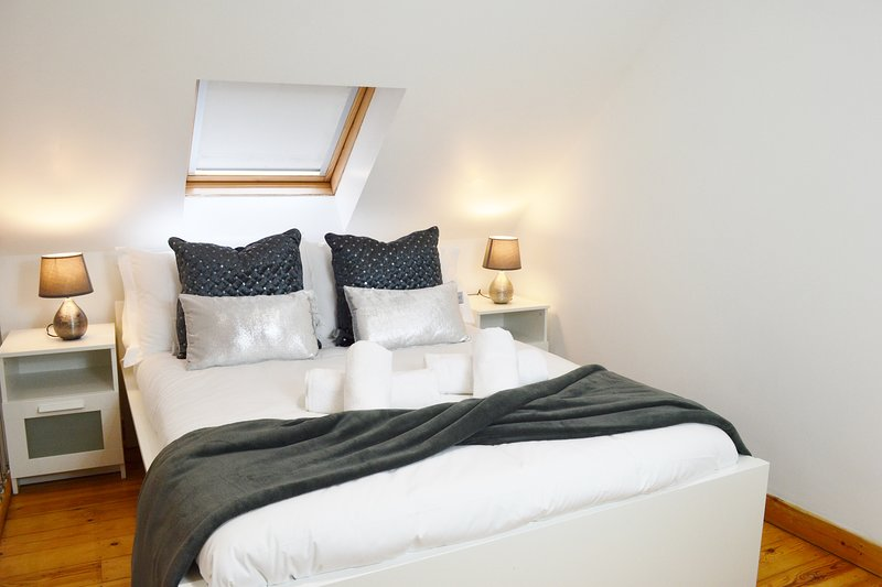 The Mews Apartment with FREE parking and Bus Stop, holiday rental in Shepreth