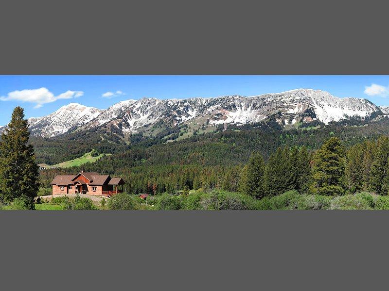 Bridger Vista Lodge**Enjoy the mountains in comfort**Luxury Log Cabin**Ski Ski, holiday rental in Bozeman