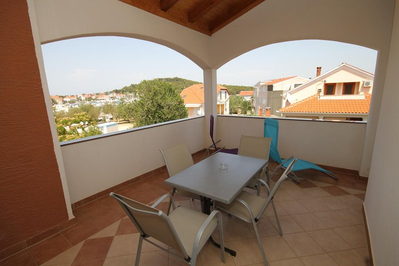 Kukljica Apartment Sleeps 4 with Air Con - 5468121, holiday rental in Kukljica