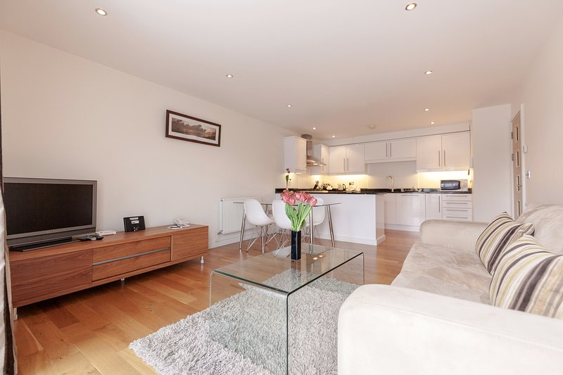 Roomspace Marquis Court, holiday rental in Ewell