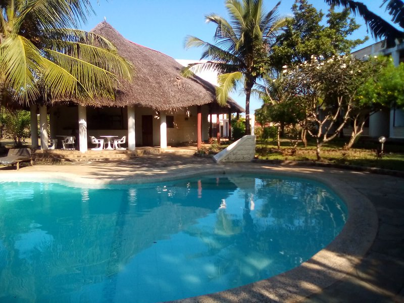 Apple Mango Apartments - Diani Beach Kenya, holiday rental in Msambweni