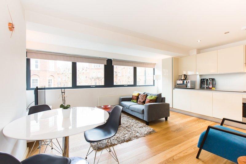 Spacious 1 Bedroom Apartment in Kensington - A3, alquiler de vacaciones en Chiswick