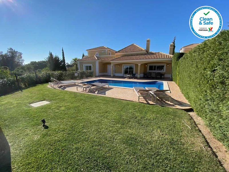 Luxury sea view villa, vacation rental in Albufeira