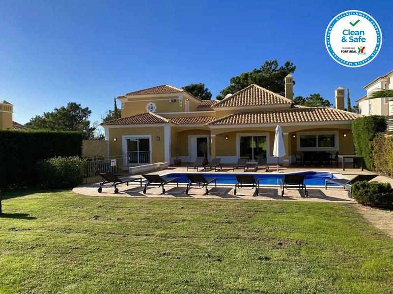 Oasis luxury beach villa, casa vacanza a Gale
