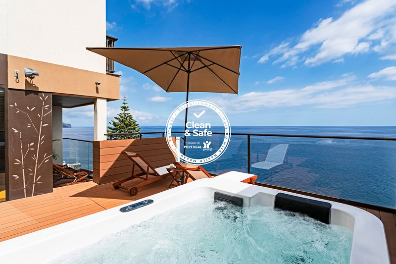 Baía I, luxury design apartment., vacation rental in Funchal