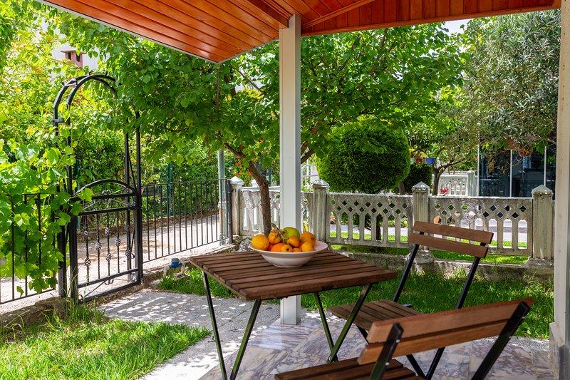 VILLA BELLA 2 - Triplex with private garden, holiday rental in Bogazkent
