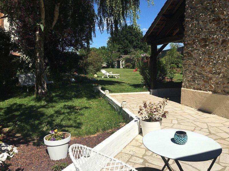 Gîte La Chabrière - Parc des Félins - Charme & Calme, holiday rental in Nangis