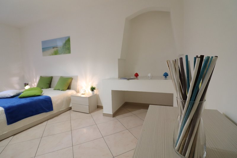 In The Heart Of The Old Town - Apartment Porta Alfonsina, location de vacances à Otranto
