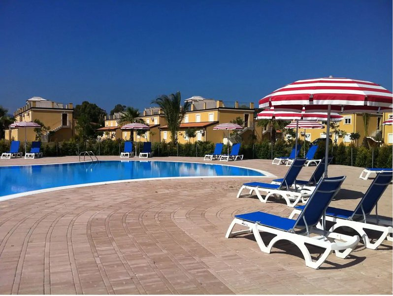 COSY 64G APP Pizzo Beach, holiday rental in Maierato
