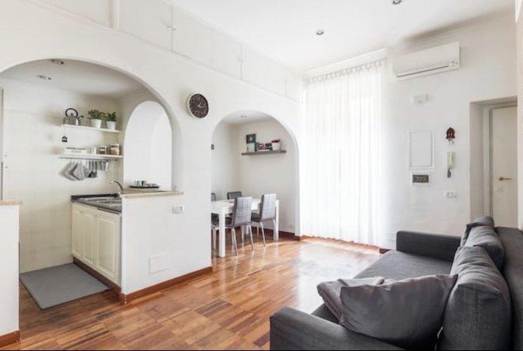 Area living: cucina e la sala da pranzo