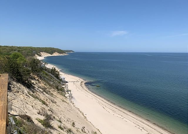 Sun Set beach house amazing views secluded Your own Cottage by the Beach!, holiday rental in Riverhead