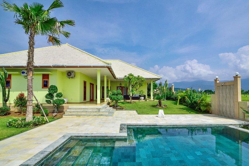 Villa Lumba Lumba 2, alquiler vacacional en Dencarik