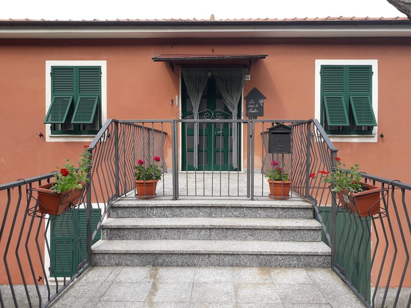 nel verde dell'entroterra, holiday rental in Tornolo