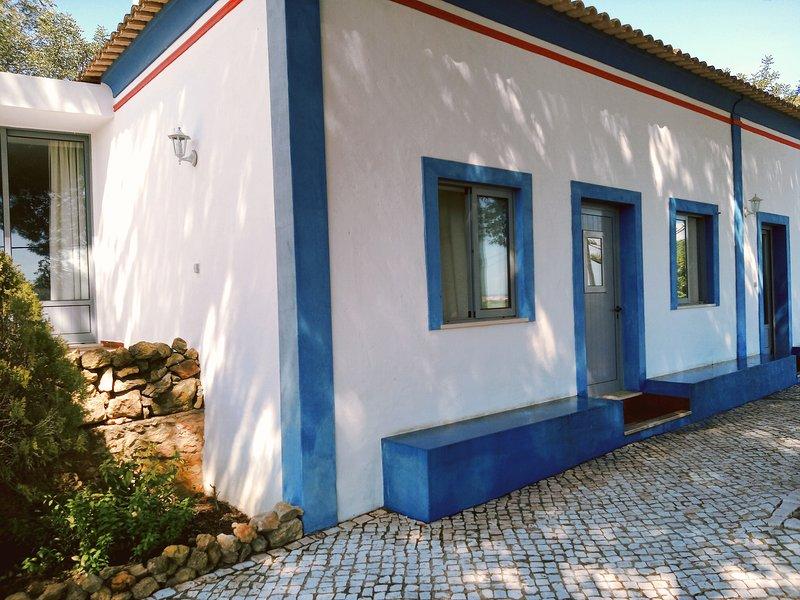 Quinta dos Caracois: Two-Bedroom Villa, holiday rental in Bensafrim