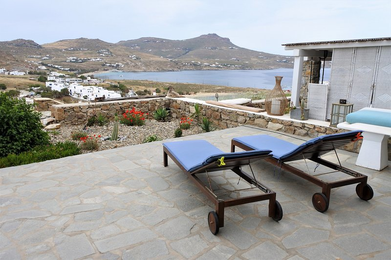 Anna-Maria Seaview Maisonette II, holiday rental in Kalafatis