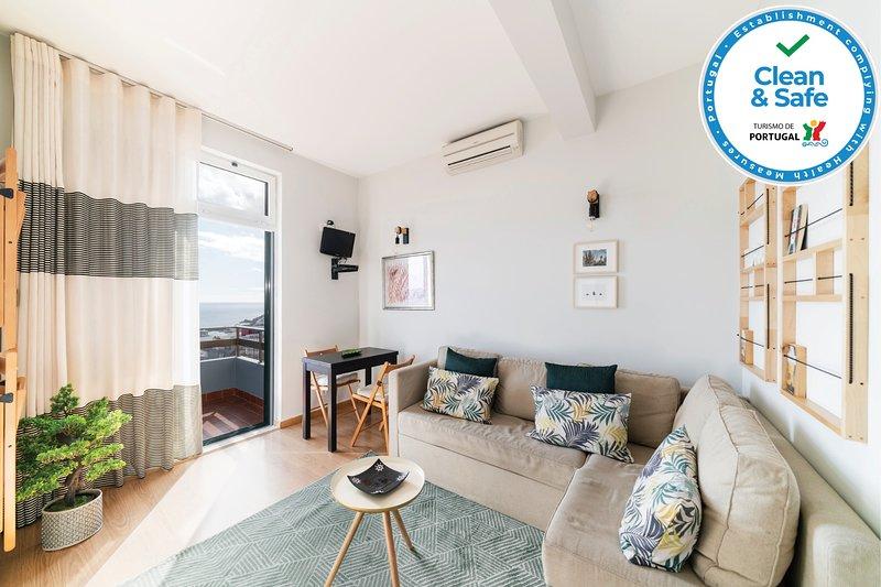 Casa Branca II - Large balcony&Ocean views, aluguéis de temporada em São Martinho