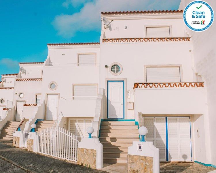 Sobral Guesthouse, holiday rental in Casais de Sao Lourenco