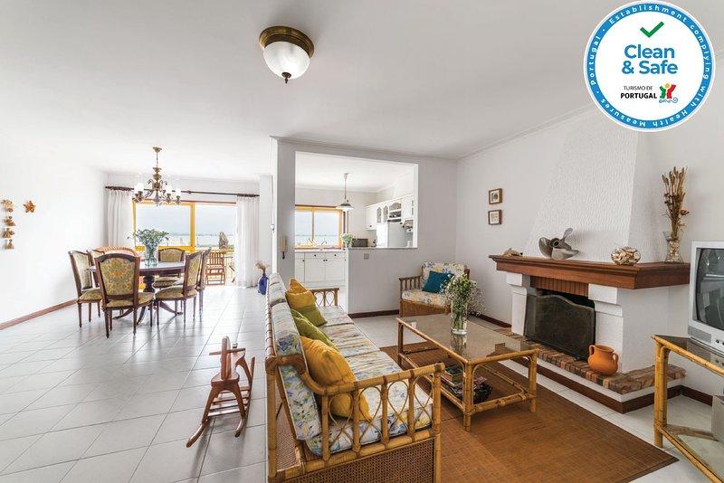 Ria's View Apartment, casa vacanza a Estarreja
