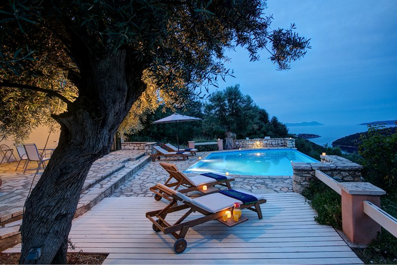 Villa Mastiha - SivotaBayVillas Lefkada, holiday rental in Fterno