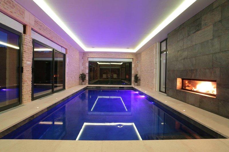 Villa Deauville Piscine et Spa, holiday rental in Bonneville-sur-Touques