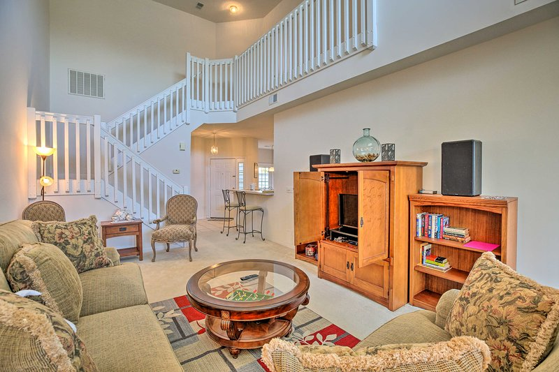 Myrtle Beach Townhouse in Legends Golf & Resort!, vacation rental in Conway