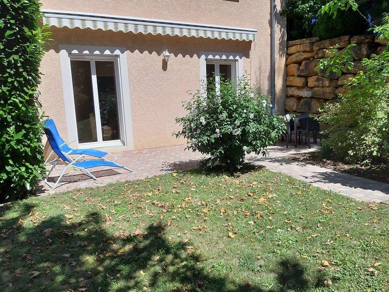 Appartement indépendant dans propriété calme en pleine nature, aluguéis de temporada em Charnay