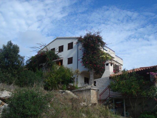 Apartments Paradise 3 - Island Lastovo, aluguéis de temporada em Ubli