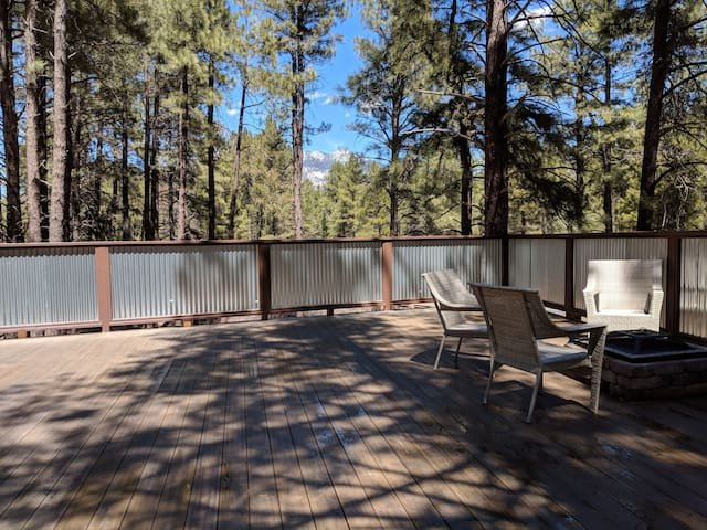 cozy cottage on Hidden Hollow, in the woods, holiday rental in Flagstaff