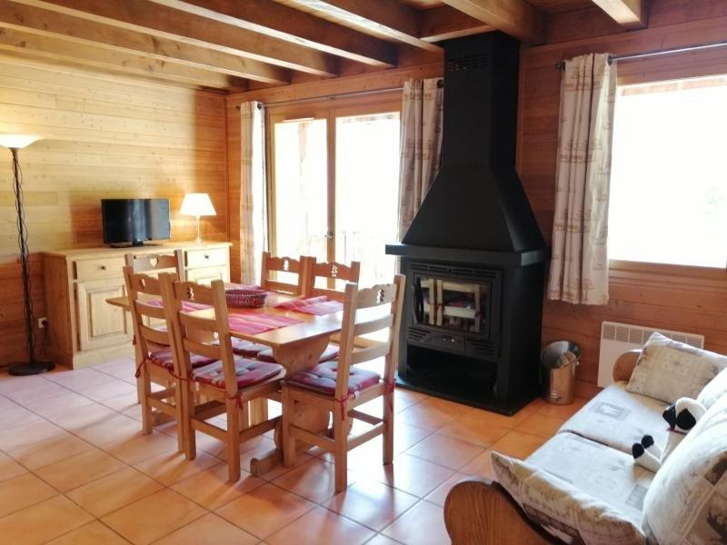 Très agréable 1/2 chalet, vue magnifique sur les montagnes, Pra Loup, casa vacanza a Uvernet-Fours