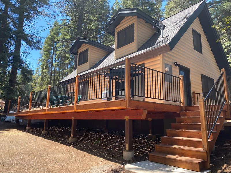 LAKE ALMANOR 3 BEDROOM HOUSE, holiday rental in Prattville