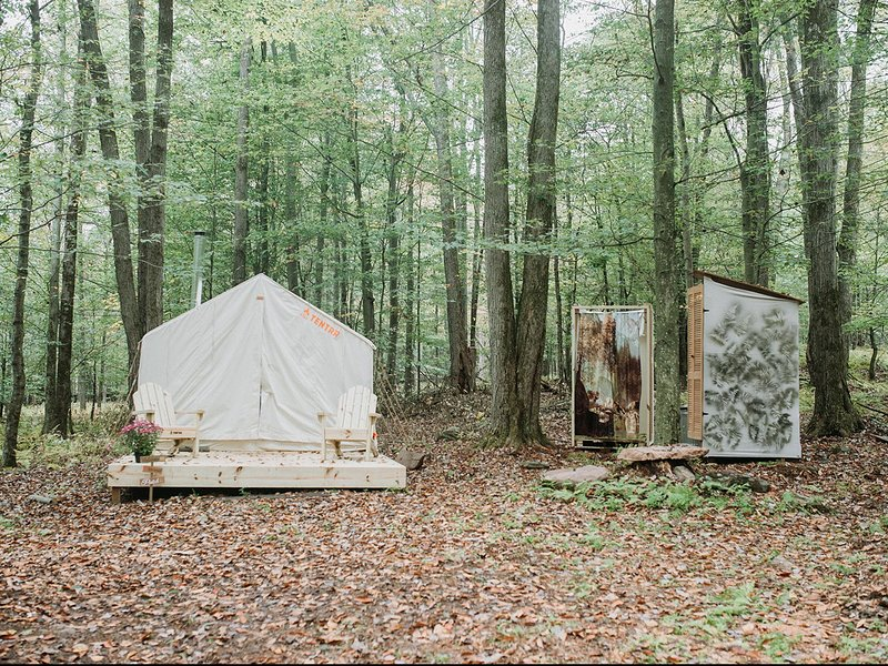 Tentrr Signature Site - Back 2 Nature Camp, holiday rental in Honesdale