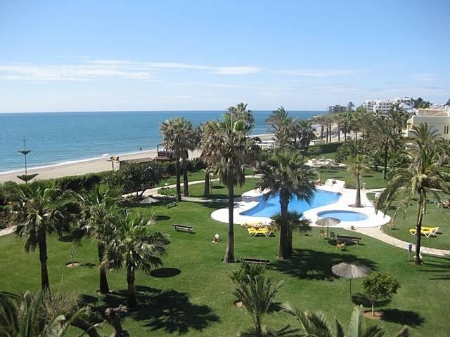 May offer!! 500euro per week!! Beach Apartment, alquiler de vacaciones en Mijas