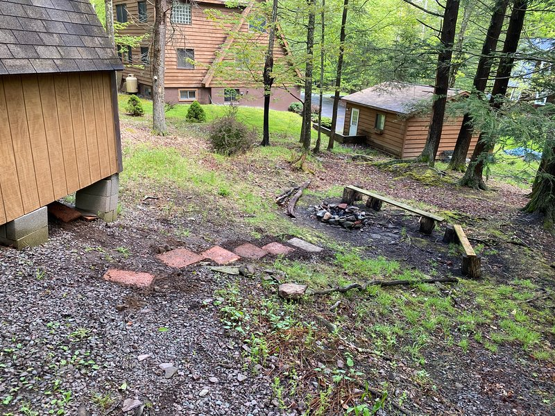 Steps to fire pit in backyard