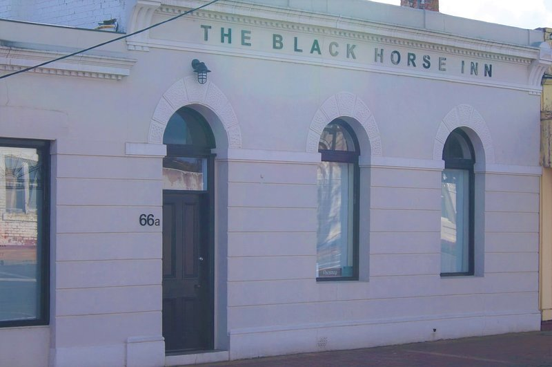 The Black Horse Inn, vacation rental in Casterton