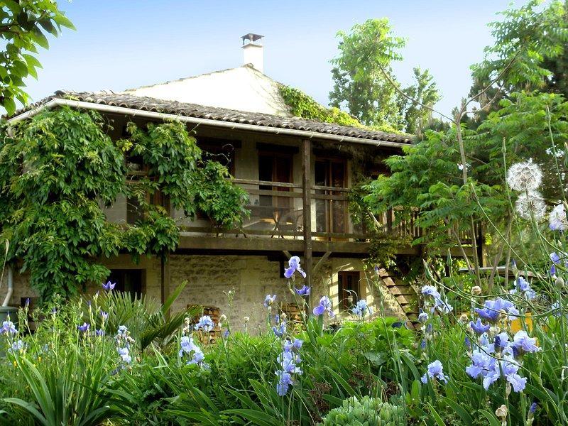 Maison pour 4/6 personnes - L'arbre, location de vacances à Tanzac