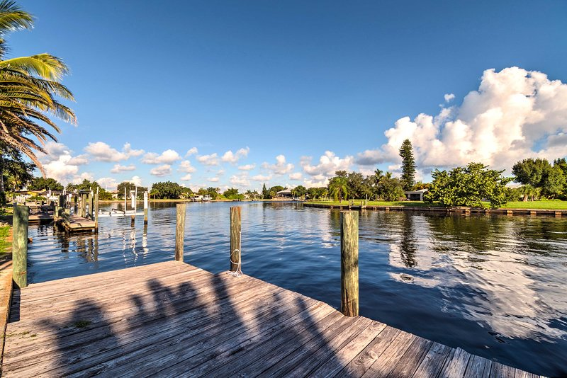 Port Charlotte Pool Home w/Boat Lift, holiday rental in Port Charlotte