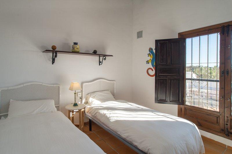 Casablanca 38 Double Bedroom 2 / Access to Terrace