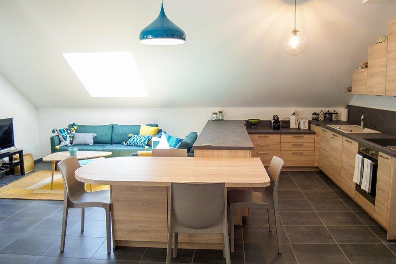 La Champanaise - Appartement 2 chambres à 300m du Lac d'Annecy, holiday rental in Duingt