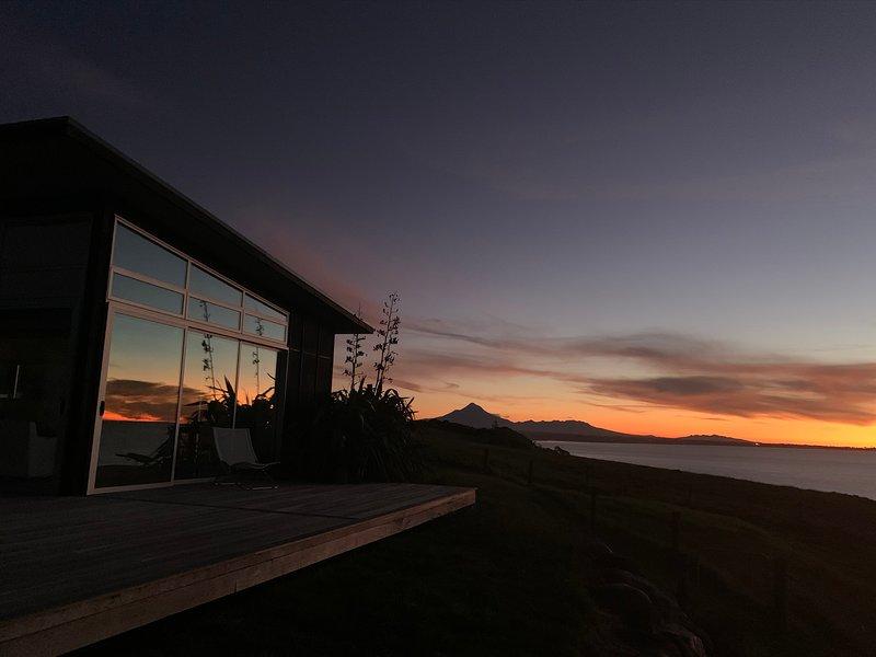 180° sea views, superior coastal cottage, alquiler de vacaciones en Taranaki Region