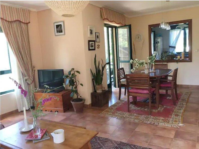 House - 4 Bedrooms - 108514, alquiler vacacional en Ares