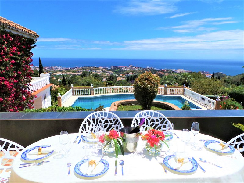 Luxury Villa,featured on TV 'Homes by the Med'. Contagion free environment, holiday rental in Benalmadena
