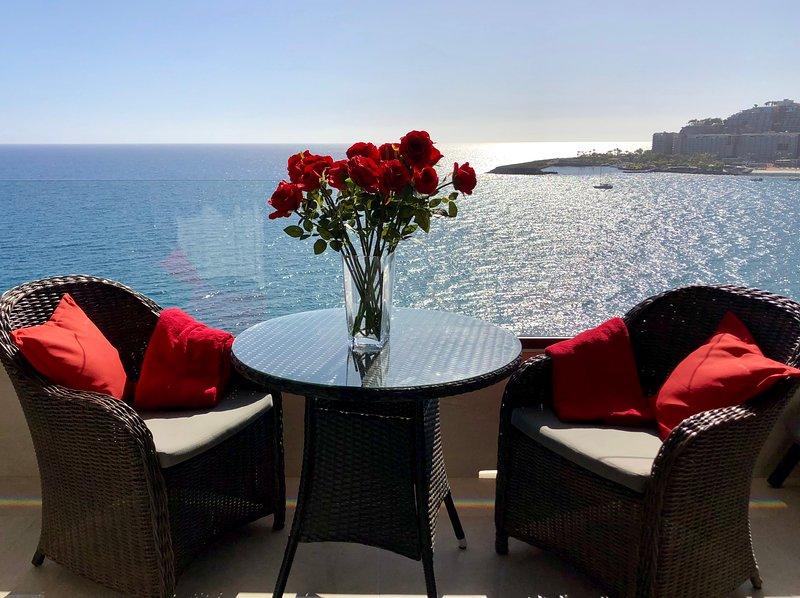 Luxury on the beach with the most spectacular view, aluguéis de temporada em Patalavaca