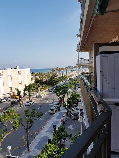 Tekavi A 50m playa vistas al mar, alquiler vacacional en La Pineda