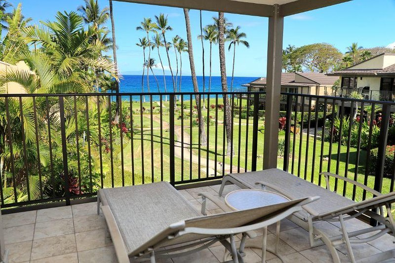 Beautiful 1 Bdrm Ocean Front Condo-Wailea Elua #1602, holiday rental in Wailea
