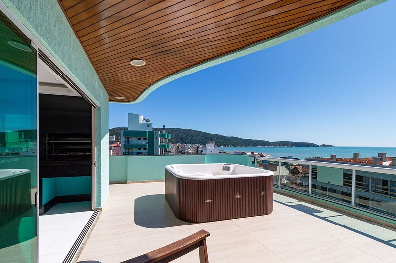 Aluguel Apartamento 4 suítes Vista Mar Jacuzzi Bombas SC, location de vacances à Bombas