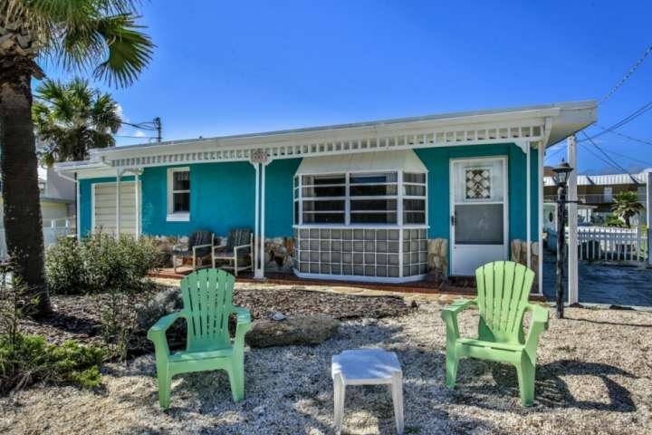 Steps to the beach, dog friendly vacation rental in Flagler Beach, FL 32136