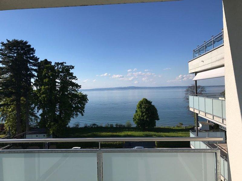 URLAUBSFLAIR AM SEE - Traumhafte 90qm Wohnung mit Balkon und Seeblick, vacation rental in St. Gallen