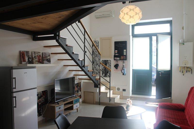 Moderno Loft a pochi minuti dal centro di Lecce - L'Appartamentino, holiday rental in Castromediano